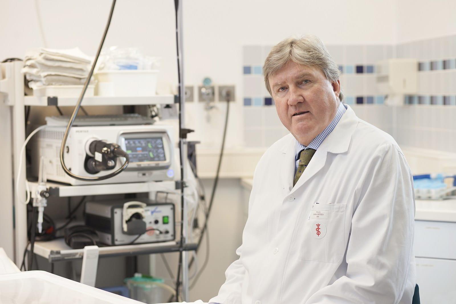 primarius-dr-guenther-mostbeck-internist-gastroenterologe-wien-evangelisches-krankenhaus3.jpg